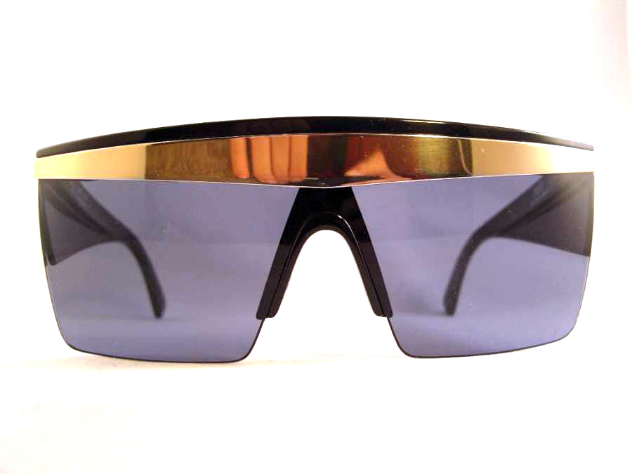 213dca7835b4 These are the vintage Gianni Versace 676 Update sunglasses.