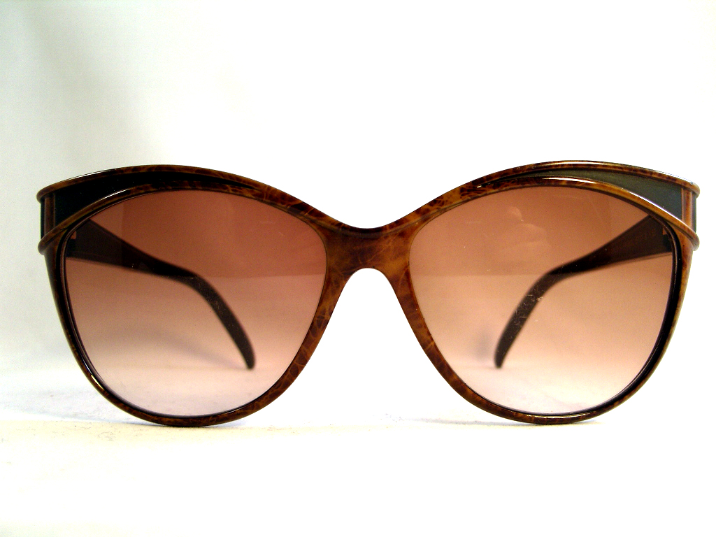 0a877169d96 Vintage YSL sunglasses. Root wood like colored frame.